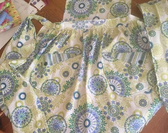 vintage style women's apron