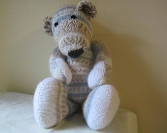 Hand knitted bear / Cuddly toy