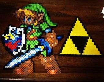 Link + TriForce (Zelda)