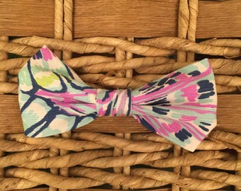 """Lilly Pulitzer Bow Tie in """"Oh Shello"""""""