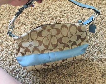 Mini coach bag with blue detailing