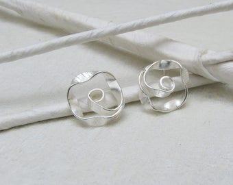 TWisT - matte silver earstuds, small