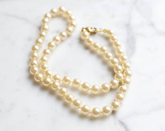 Vintage String of Costume Pearls Necklace