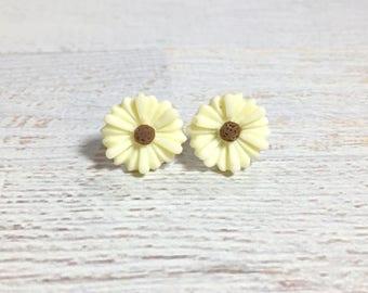 Beige Flower Earrings, Beige Daisy Stud Earrings, Flower Stud Earrings, Surgical Steel Studs,  Gerbera Daisy Studs, KreatedByKelly (SE8)