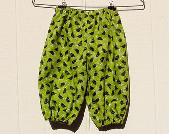 Speckled Blackbirds on Green Cotton Elastic Ankle Pants, Size 6 Months Petite