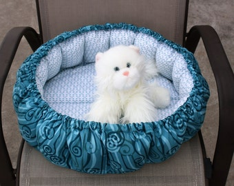 Cat Bed, Indoor Cat Bed, Round Cat Bed, Pet Bed. Fabric Pet Bed. Luxury Bed, Dog Bed, Teal Pet Bed, Washable Pet Bed, Puffy Cat Bed, Cat Bed