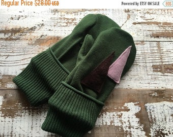 40% OFF- Wool Blend Mittens- Christmas Tree-Upcycled Clothing-Green and Purple