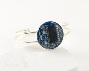 Recycled Circuit Board Bracelet Blue, Circuit Board Jewelry, Geeky Cuff Bracelet, Woman Engineer, Technology Gift for Her, Techie Jewelry