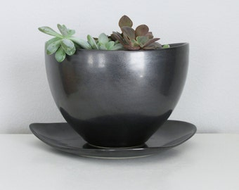 Handmade Black Planter with Drain Hole and Catch Plate, Modern Metallic Black Pottery Planter Porcelain, Contemporary Ceramic Planter Black