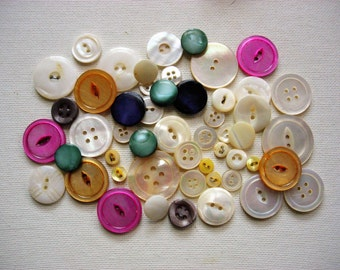 Pretty Lot of Various Vintage Mother of Pearl Shell Buttons