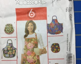 MacCall's Fashion Accessories pattern M5284 uncut makes a great present for a cook one size pocket variations