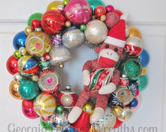 "Vintage Shiny & Brite Christmas Ornament Wreath 5116 - 15"" diameter"