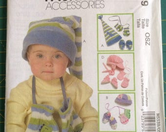 McCalls Pattern M5539 Baby ~ Fleece Hat, Mittens, Shoes, Beanie Sewing pattern