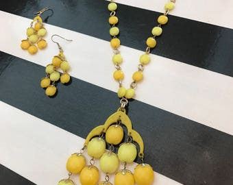 1960s necklace set yellow necklace set mod  necklace set vintage jewelry necklace and earrings