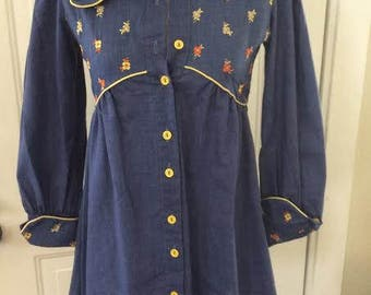 Adorable vintage 1970's women's boho mini dress/tunic top. Size SMALL