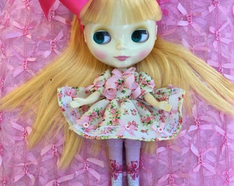 Blythe .. Tiny Pink Roses Dress for Blythe and Pullip Dolls.. Handmade and Ooak!!