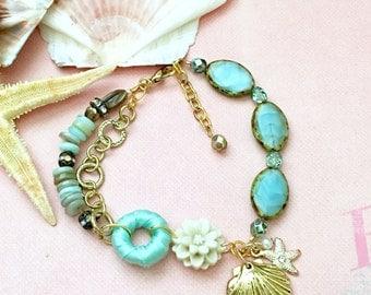 Seashells by the Sea Beaded Chain Link Bracelet
