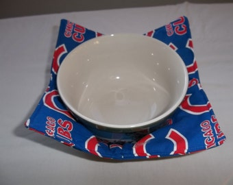 Microwave, Bowl Cozy, Chicago Cubs, Quilted Bowl, Reversible Cozy, Housewarming Gift Bowl Holder, Potholder, Cotton Fabric Thread, Handmade