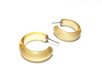 Champagne Hoop Earrings | Pale Yellow Hoops | vintage lucite small simple hoop earrings | Leetie Lovendale