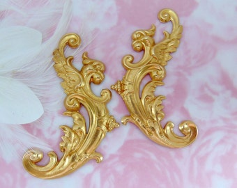 BRASS * (2 Pieces) Medieval Bird Flourish Scroll Ornate Corner Stampings ~ Jewelry Ornament Findings ~ Brass Stamping (FB-6089)