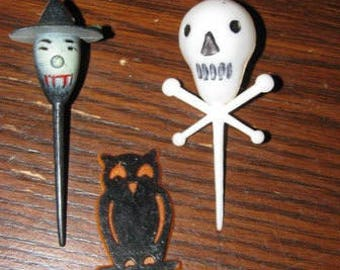 Vintage 1950's Halloween Cup Cake Toppers, Wicked Witch, Spooky Owl, Skeleton, Skull & Cross Bones, retro 50's , Mixed Media Embellishments