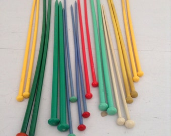 Vintage Plastic 10 Pairs of knitting needles Button Top assorted Colours