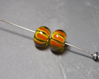 Vintage Yellow with Orange and Yellow Swirls Smooth Rondelle Glass Beads  - 15x10mm (2)