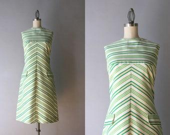 1960s Dress / Vintage 60s Chevron Stripe Shift Dress / 60s Mod Cotton Sleeveless Dress S small S/M