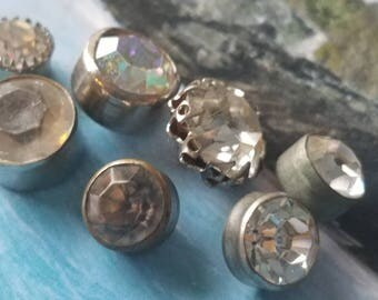 Vintage buttons 7 assorted metal  rhinestone solitaire styles, 1950's  (apr 310 17)