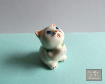 Tiny Japanese Lucky Cat Little Kitty Small Pet Animal Miniature Ceramic Figurine,Cat Collector,Porcelain Cat Figurine,Porcelain Figurine