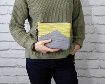 Wristlet bag with folded applique design, Wristlet clutch bag, Handmade bag, Gift for her, Striking bag, Statement bag