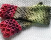 Red Green Dragon Scale Fingerless Mittens Gloves READY TO SHIP Hand Wrist Warmers Texting Cosplay Costume Steampunk Winter Bored Panda Wool