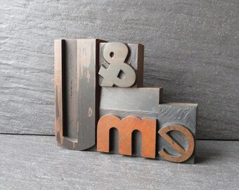 U & me, The One with the Deco U - Vintage Letterpress Phrase