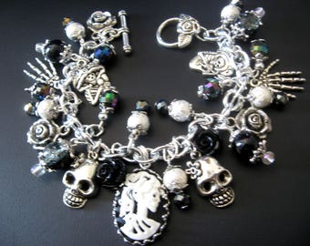 Day of the Dead Skull Lolita Bracelet,Skull Lolita Jewelry,Halloween Bracelet,Black and White Jewelry,Black White Bracelet, Goth Bracelet