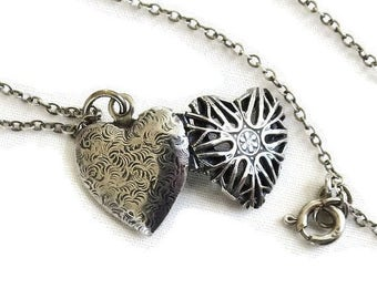 Antique Sterling Silver Heart Photo Locket Pendant Necklace Vintage