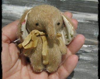 Betsy Elephant by Woollybuttbears