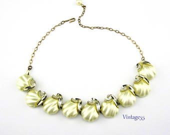Summer Shell Necklace Pearl Thermoset