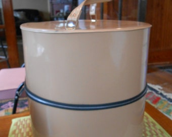 Tan patent leather hat wig box/carrier