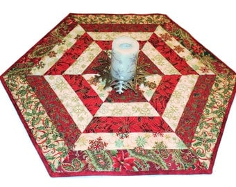Christmas Quilted Table Runner, MADE TO ORDER, Hexagon Table Topper, Red and Ivory Poinsettia, Table Topper, Quiltsy Handmade Patchwork
