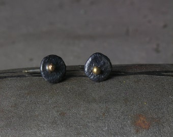 Crusty stud earrings in silver and 18ct gold 2