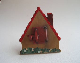 Vintage Wooden Mini House Picture Frame, Hidden Picture Frame, 1950s Country Decor, Miniature Picture Frame, Fairy Garden