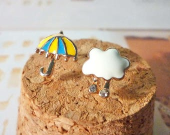 SALE - Mini Umbrella Earrings