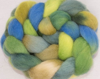 Hand dyed spinning wool,  English Whitefaced Woodland, Penistone, combed tops, British rare breed, fiber,colour; Green Man