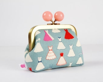 Metal frame coin purse with color bobble - Dress up in blue - Color dad / Cotton and Steel / Melody Miller / Jubilee / dresses red peach