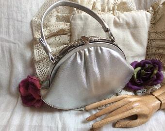 Vintage silver fabric embellished frame evening bag, single handle ornate frame prom purse, bride's silver After 5 formal handbag