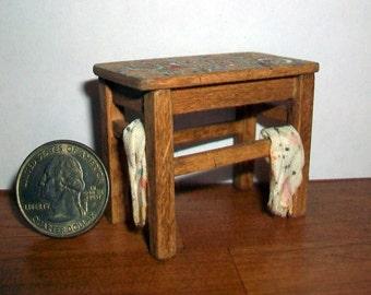 Miniature Paint Table   1:12 scale