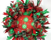 ON SALE Deco Mesh Christmas Wreath in Emerald Green & Red, Christmas Red and Green Wreath, Christmas Holly Wreath, Christmas Wreathes For Do