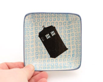 Doctor Who Tardis - ring dish - ring holder - trinket holder - gifts under 10 - upcycled dish with blue