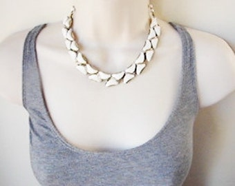 Vintage 1960s gold and white cocktail necklace (FF)