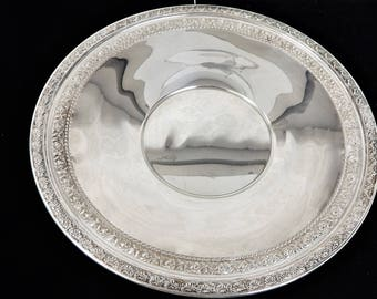 A Wallace Silver Co Silverplated 10 1/2 inch Round Plate